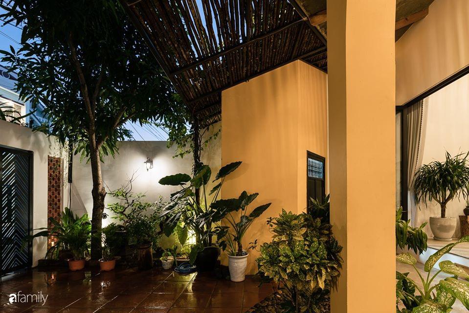 Ngôi nhà gắn liền với những hoài niệm xưa cũ đẹp bình yên dưới những bóng cây ở Quảng Nam - Ảnh 5.