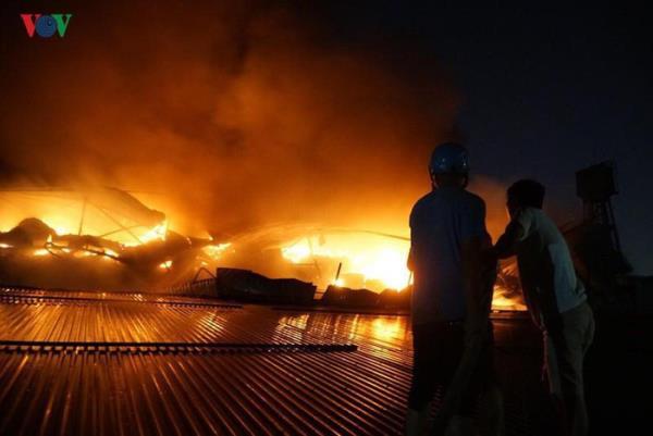 4 tháng sau vụ cháy, dân sống quanh Nhà máy Rạng Đông vẫn chưa hết lo âu  - Ảnh 1.