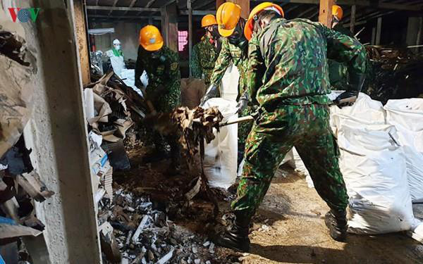 4 tháng sau vụ cháy, dân sống quanh Nhà máy Rạng Đông vẫn chưa hết lo âu  - Ảnh 2.