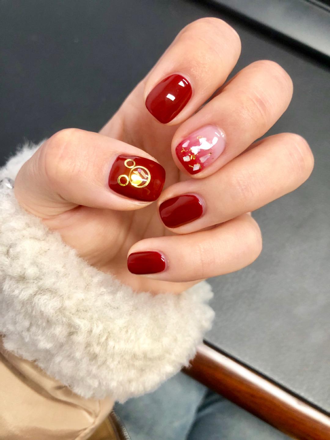 Gợi ý 12 mẫu nails vừa đơn giản lại đẹp sang, rất hợp dịp Tết Canh Tý 2020  - Ảnh 1.