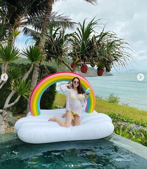 Joyce Phạm- con gái đại gia Minh Nhựa khoe loạt ảnh bầu bí vượt mặt diện bikini vẫn quyến rũ hết phần người khác  - Ảnh 4.