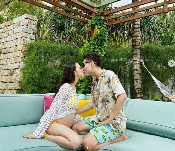 Joyce Phạm- con gái đại gia Minh Nhựa khoe loạt ảnh bầu bí vượt mặt diện bikini vẫn quyến rũ hết phần người khác  - Ảnh 2.