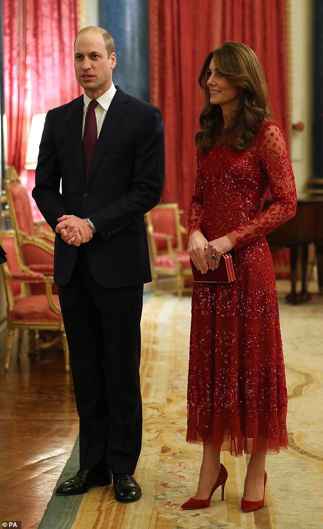 Trong khi em dâu lúng túng chăm sóc con, Công nương Kate tỏa sáng như nữ thần trong sự kiện mới nhất - Ảnh 2.