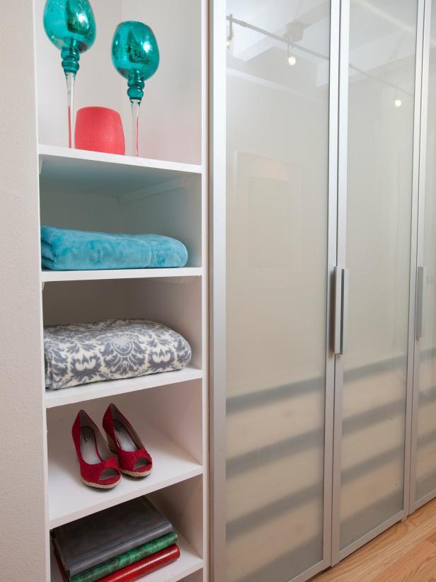 8 ý tưởng tiết kiệm khi bạn không có nơi nào để đặt hay mua một chiếc tủ quần áo - Ảnh 9.