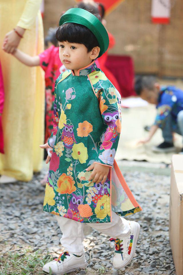 Các nhóc tỳ của sao Việt diện áo dài đón Tết: Con gái Hà Anh siêu nhí nhảnh, quý tử nhà Đan Trường bảnh bao hơn cả bố - Ảnh 13.