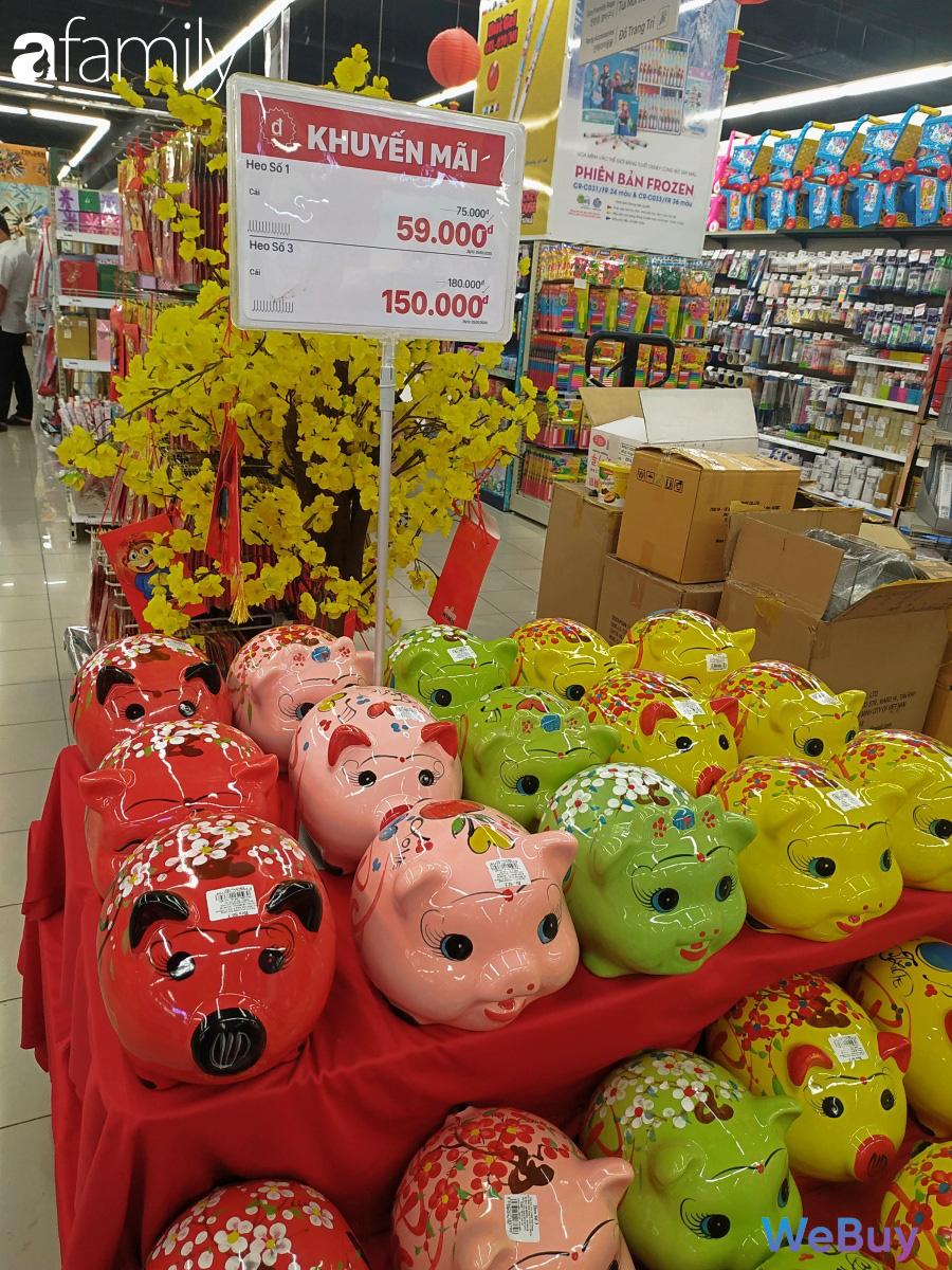 Sát Tết, siêu thị Sài Gòn đã bớt cảnh chen chúc, hàng hóa đồng loạt sale up to 50% - Ảnh 4.