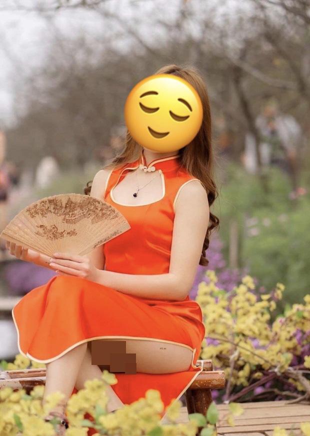 """Bức ảnh cô gái mặc sườn xám ngồi hớ hênh ở vườn hoa Tết khiến dân mạng dậy sóng, nghe lời giải thích của photo lại càng thấy """"nguy hiểm"""" hơn - Ảnh 2."""