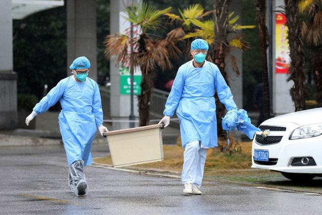 Virus corona bùng phát vô cùng phức tạp: Đây là 5 việc đơn giản nhưng hiệu quả người Việt phải làm ngay để bảo vệ mình - Ảnh 1.