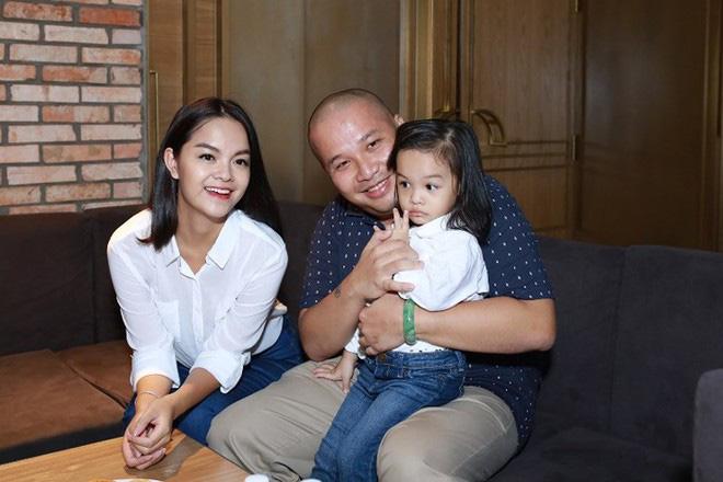Phạm Quỳnh Anh bịn rịn chia tay 2 con gái về quê đón Tết với Quang Huy nhưng cách cư xử của nữ ca sĩ được đánh giá cao - Ảnh 2.