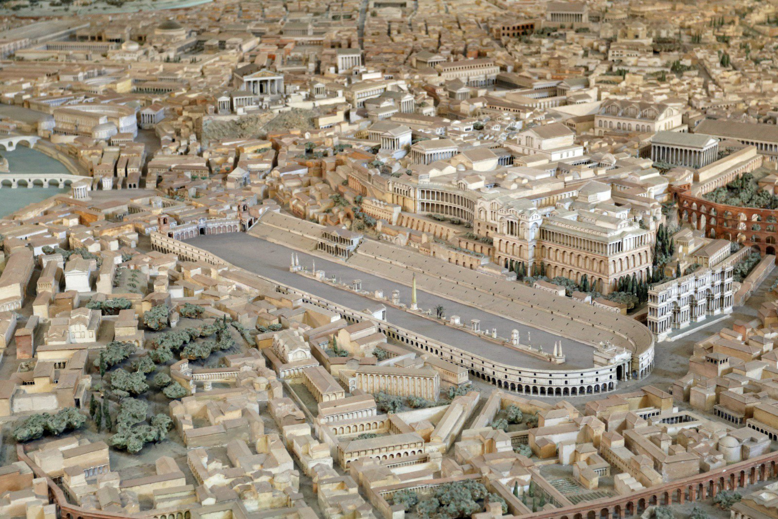 Chiêm ngưỡng mô hình thành Rome cổ đại với tỷ lệ 1:250, mất tới 38 năm mới hoàn thành - Ảnh 6.