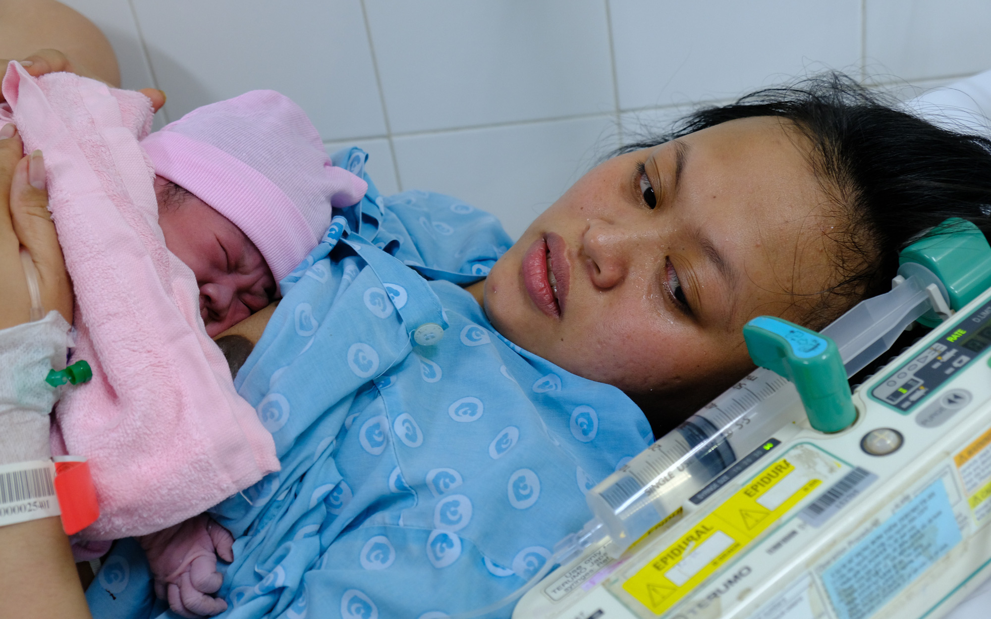 2 bé trai, 2 bé gái tại TP.HCM sinh đúng thời khắc đầu tiên của năm Canh Tý 2020