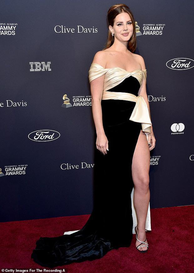 """Grammy 2020 chưa chính thức diễn ra, bữa tiệc trước thềm sự kiện đã khiến dân tình """"ngộp thở"""" vì màn sờ ngực sỗ sàng của ông xã Cardi B - Ảnh 6."""