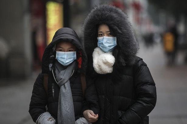 Bác sĩ nổi tiếng Trung Quốc cảnh báo virus corona có thể lây truyền qua MẮT: Đeo khẩu trang nhưng quên đeo kính hoàn toàn có thể nhiễm bệnh - Ảnh 7.
