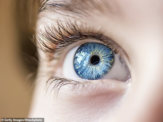 Bác sĩ nổi tiếng Trung Quốc cảnh báo virus corona có thể lây truyền qua MẮT: Đeo khẩu trang nhưng quên đeo kính hoàn toàn có thể nhiễm bệnh - Ảnh 5.