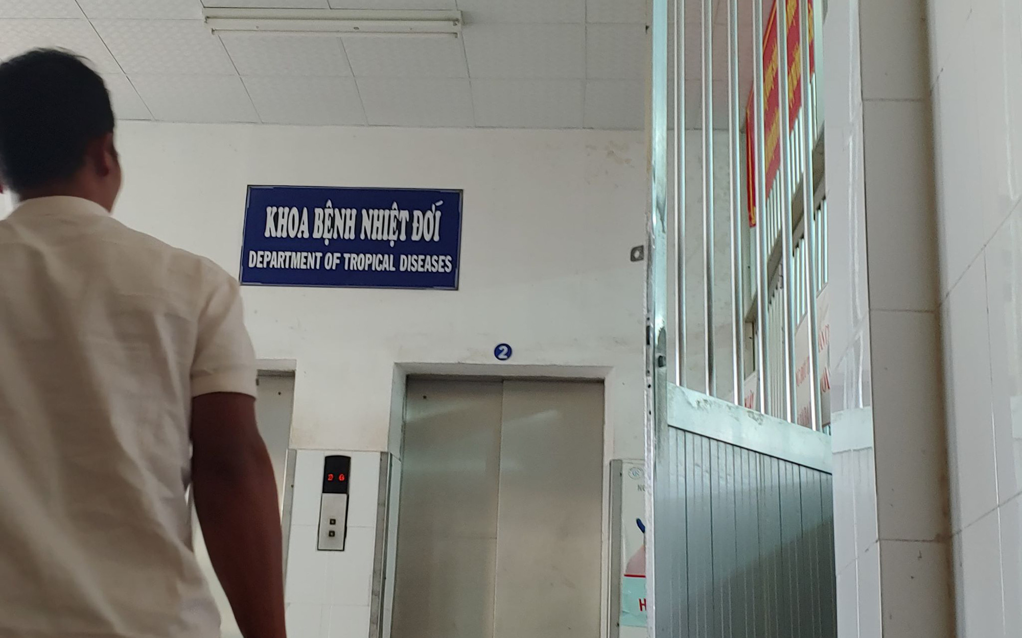 Du khách Trung Quốc vẫn nhập cảnh vào Việt Nam, TP.HCM kiểm soát virus corona thế nào?