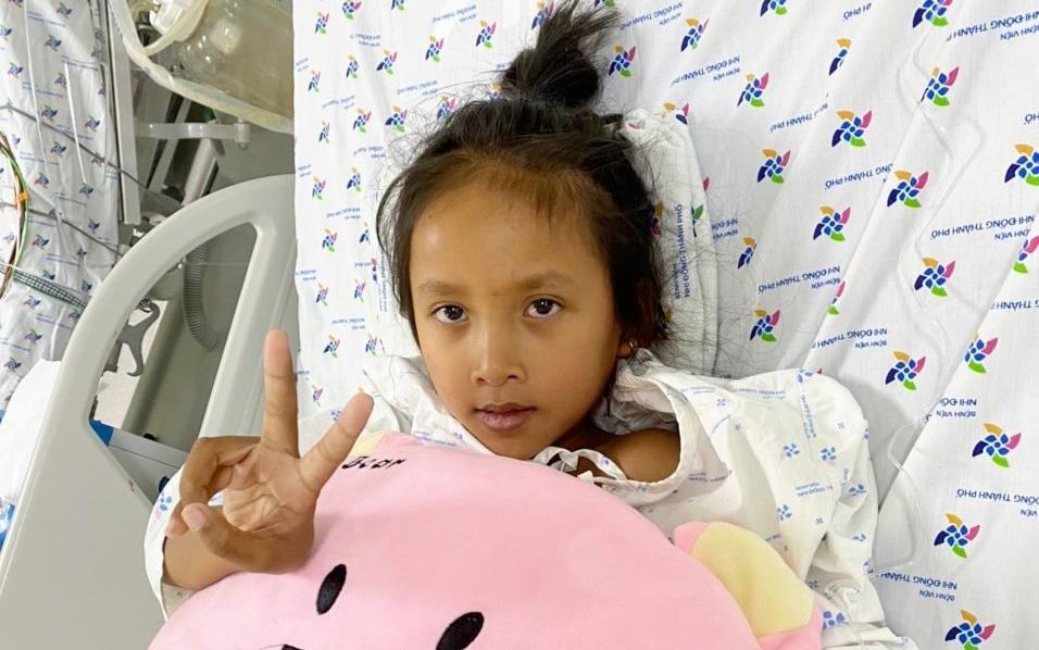 Xuyên Tết cứu bé gái 9 tuổi bị viêm cơ tiêm thập tử nhất sinh