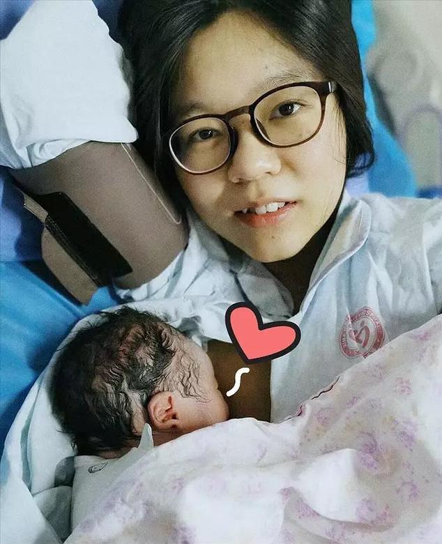 Chia sẻ chân thực về quá trình mang thai và sinh con qua bộ tranh của nữ thiết kế đồ họa Trung Quốc - Ảnh 30.
