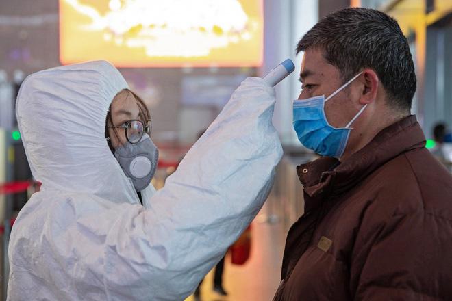 Nghiên cứu mới của Trung Quốc: Đàn ông dễ nhiễm virus corona hơn hẳn phụ nữ - Ảnh 1.