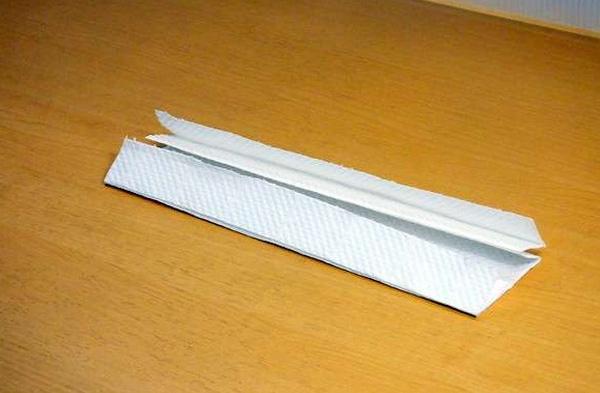Đừng bấn loạn nếu chưa mua được khẩu trang, đây là cách tự chế khẩu trang cấp tốc từ giấy ăn, ai cũng làm được! - Ảnh 4.