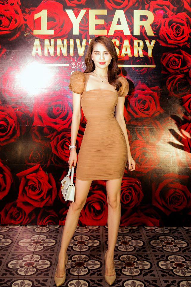 """Đụng váy cùng Ngọc Trinh, Linh Chi mất điểm với kiểu tóc như """"xuyên không"""" từ 10 năm trước - Ảnh 3."""
