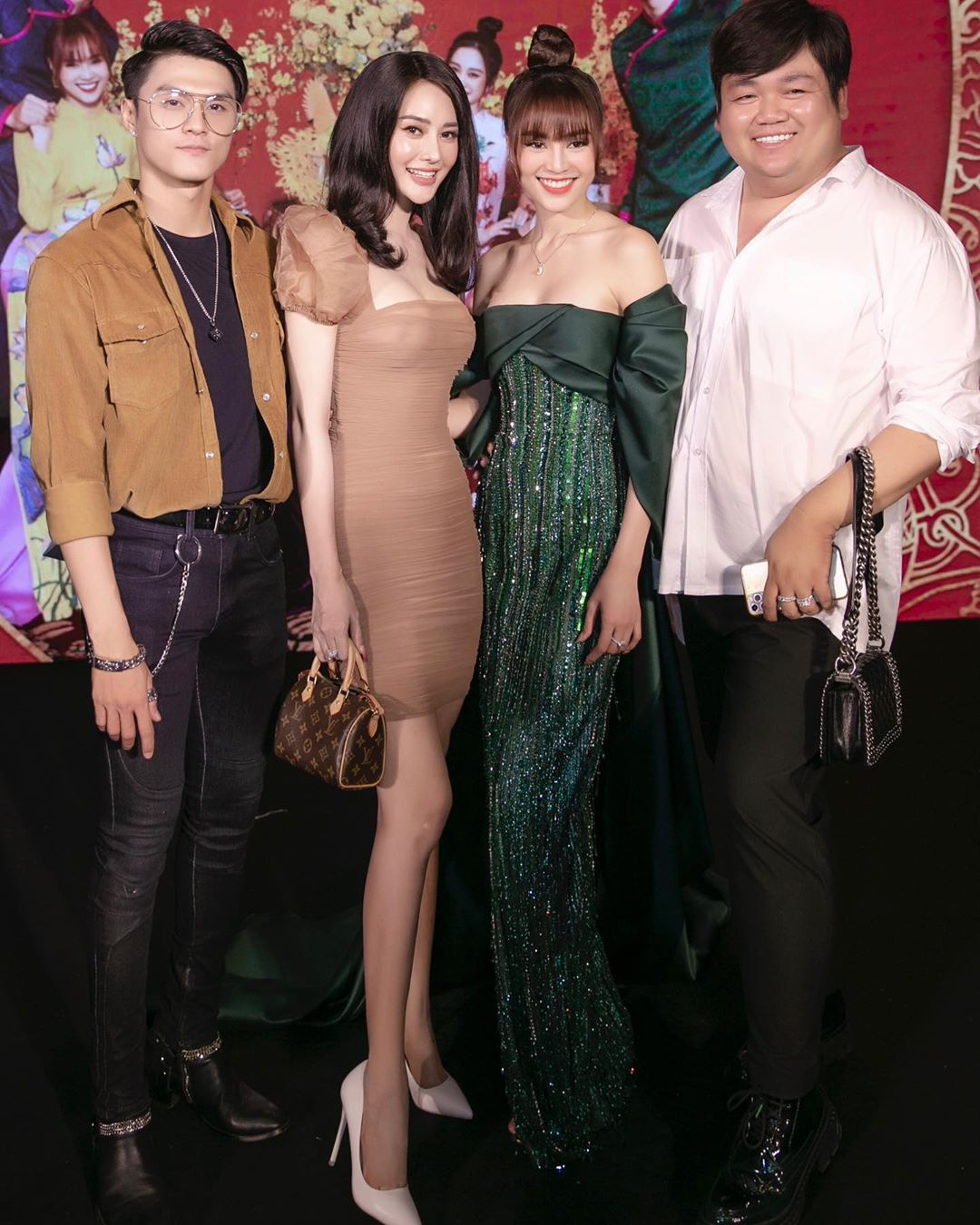 """Đụng váy cùng Ngọc Trinh, Linh Chi mất điểm với kiểu tóc như """"xuyên không"""" từ 10 năm trước - Ảnh 2."""