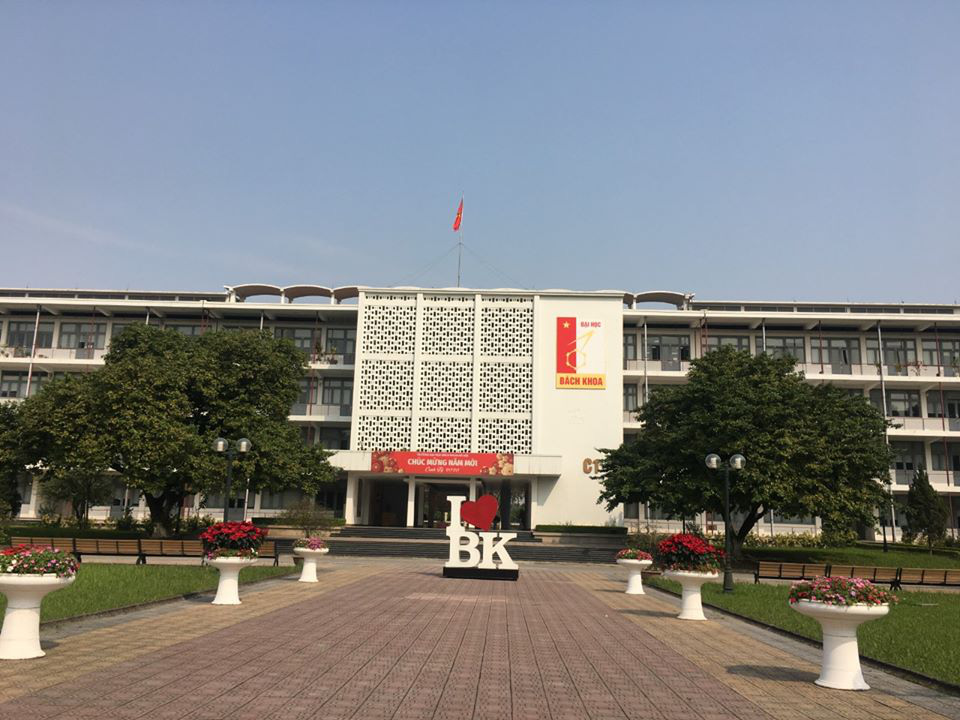 Đề phòng virus Corona lây lan diện rộng, trường Đại học ở Hà Nội cho sinh viên nghỉ học 1 tuần để tránh dịch - Ảnh 1.
