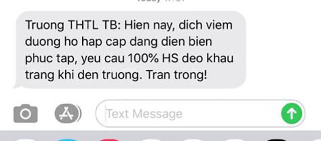 Trước thông tin phát hiện thêm trường hợp nhiễm virus Corona, một trường học ở Hà Nội yêu cầu 100% học sinh đeo khẩu trang đến lớp - Ảnh 1.