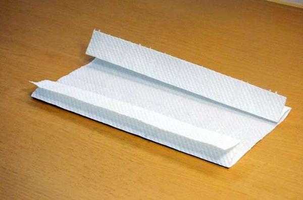 Đừng bấn loạn nếu chưa mua được khẩu trang, đây là cách tự chế khẩu trang cấp tốc từ giấy ăn, ai cũng làm được! - Ảnh 3.