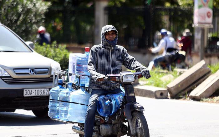 Chuyên gia WHO cảnh báo nhiệt độ ấm lên khiến con người phải đối mặt với 3 thách thức sức khỏe trong thập niên sắp tới