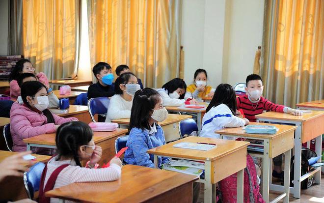 Hà Nội: Khử trùng tất cả 3.000 trường học trong hai ngày Thứ 7 và Chủ nhật để phòng ngừa dịch bệnh viêm phổi cấp