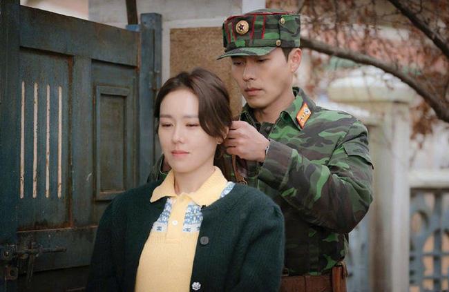 """Chị đẹp Son Ye Jin U40 vẫn trẻ như gái 18 nhờ những kiểu tóc siêu nữ tính trong """"Hạ cánh nơi anh"""" - Ảnh 8."""