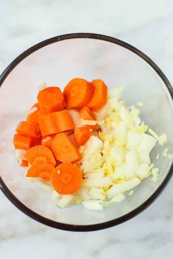 Tết này tôi học được cách làm xốt trộn salad kiểu Nhật để dành, ăn chống ngán cực chuẩn - Ảnh 1.