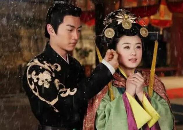 """Biên kịch """"Diên hi công lược"""" Vu Chính lấp lửng về sự thật Trần Hiểu vẫn còn yêu Triệu Lệ Dĩnh dù đã có vợ con - Ảnh 3."""