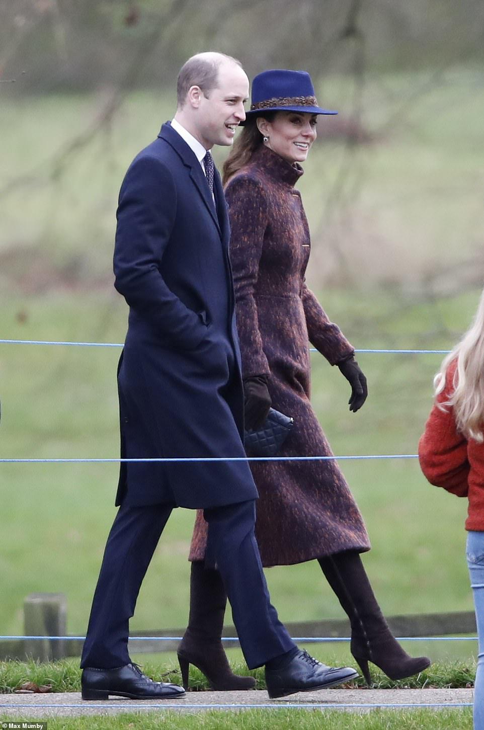 """Biết là Công nương Kate mặc đẹp nhưng đến độ """"chất"""" như fashionista thế này thì mới đáng trầm trồ - Ảnh 1."""