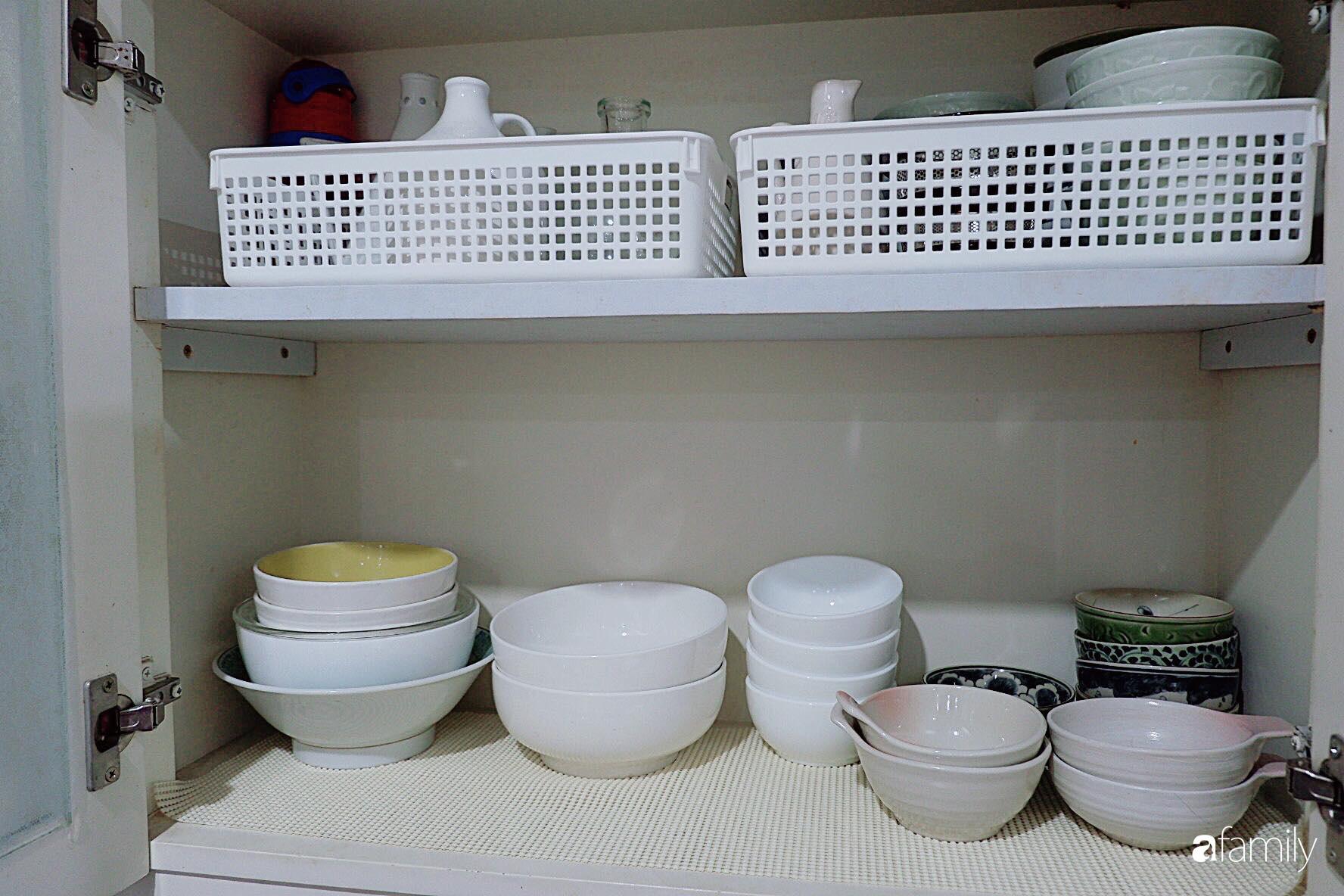Căn bếp nhỏ xíu xây nhiều năm vẫn gọn đẹp như mới ở TP. HCM - Ảnh 13.