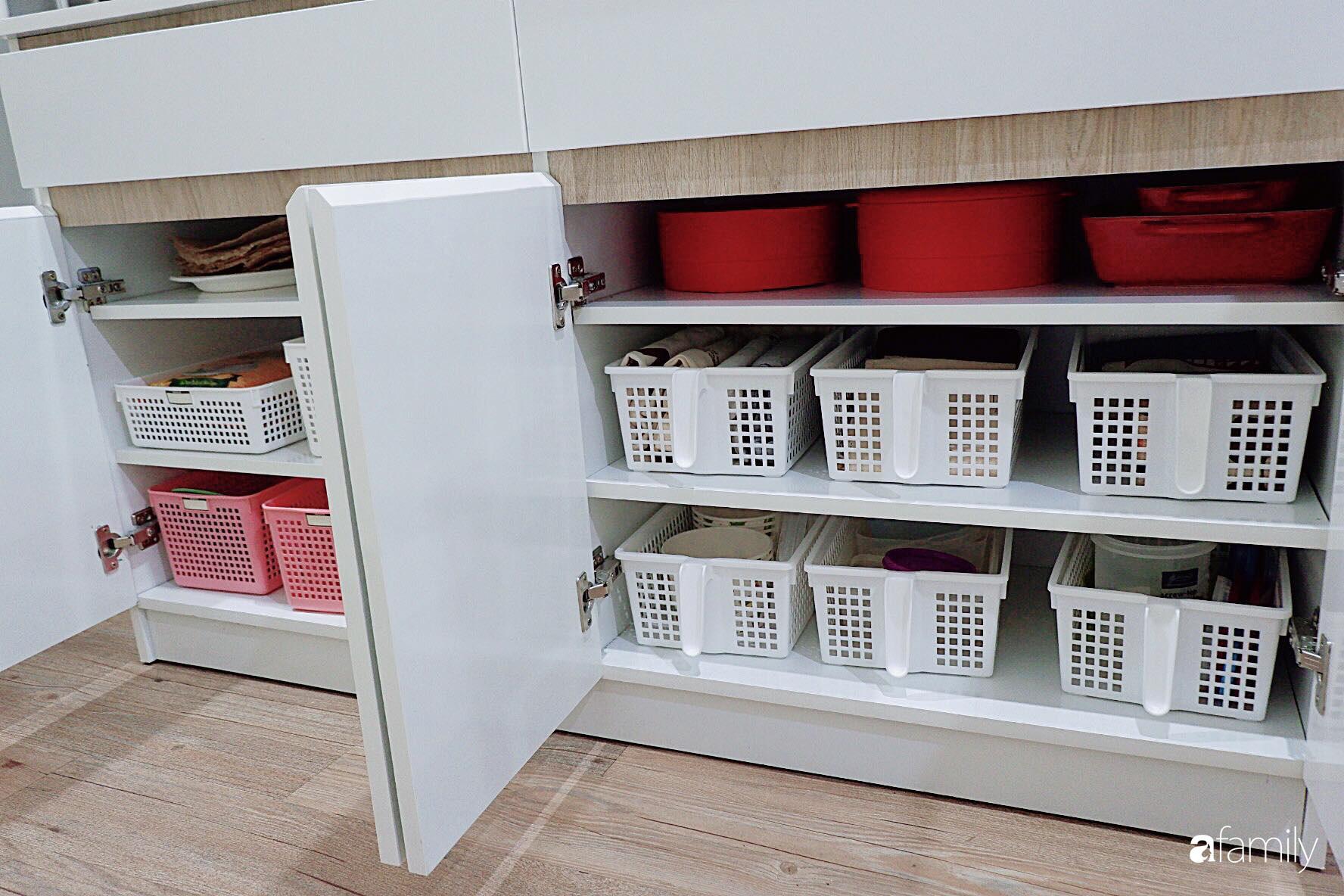 Căn bếp nhỏ xíu xây nhiều năm vẫn gọn đẹp như mới ở TP. HCM - Ảnh 6.