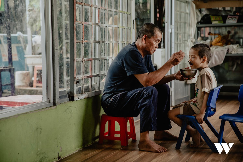 Người cha kỳ lạ ở Sài Gòn: Đổi 100 tỷ để mua đại dương yêu thương cho trẻ có hoàn cảnh đặc biệt - Ảnh 19.