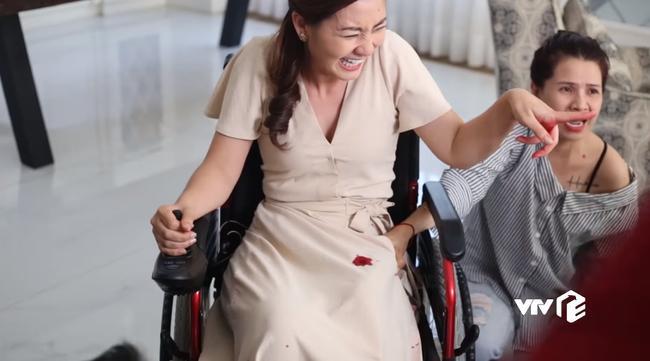 Phim Việt 2019: Ngọc Lan bị tàn phế vẫn hại bồ nhí của chồng nhưng chưa ác bằng Cao Thái Hà cưỡng bức trai trẻ - Ảnh 6.