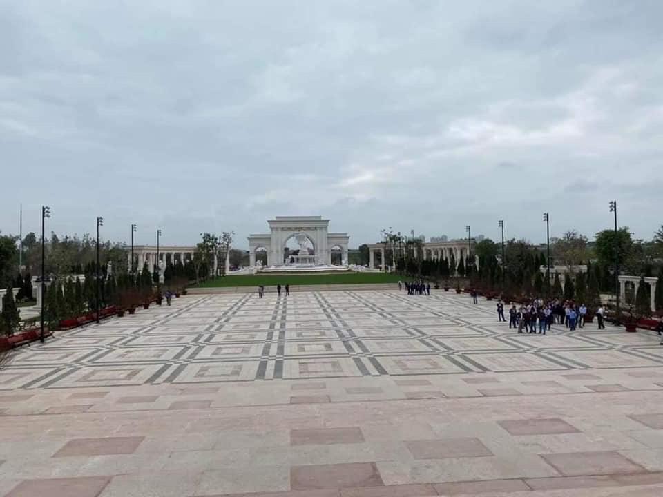 Lộ những hình ảnh đầu tiên bên trong Đại học VinUni, trường học như lâu đài hoành tráng với học phí 2,4 tỷ đồng - Ảnh 3.