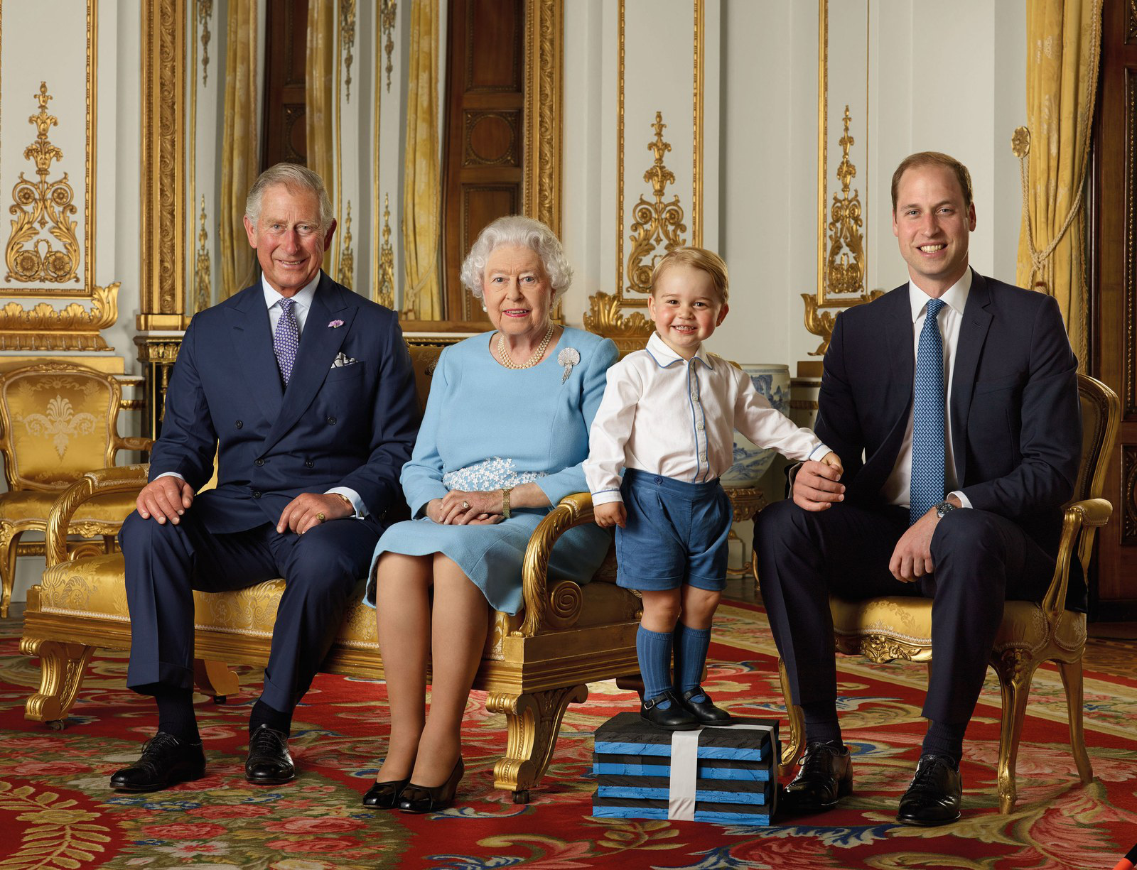 Hoàng tử Geogre ngày càng ra dáng, diện đi diện lại 1 kiểu áo mà khí chất thăng hạng vù vù - Ảnh 6.