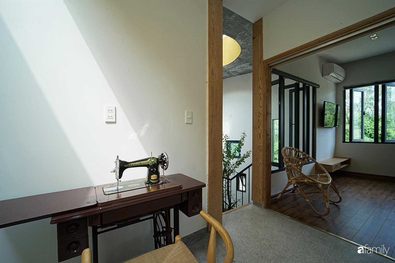 Ngôi nhà đẹp mộng mơ với cây xanh và ánh sáng của chủ nhà say đắm cúc họa mi ở miền Trung - Ảnh 11.
