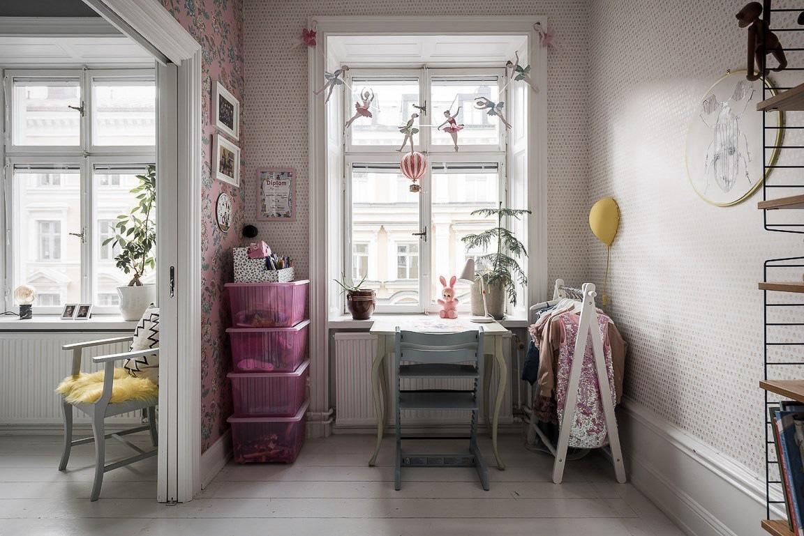 Ngôi nhà rộng 73m2 ở Nga sáng bừng với tông màu hồng phấn ngọt ngào đan xen nét cổ điển đặc trưng - Ảnh 12.