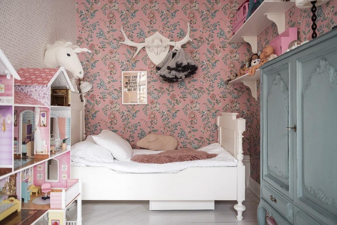 Ngôi nhà rộng 73m2 ở Nga sáng bừng với tông màu hồng phấn ngọt ngào đan xen nét cổ điển đặc trưng - Ảnh 13.