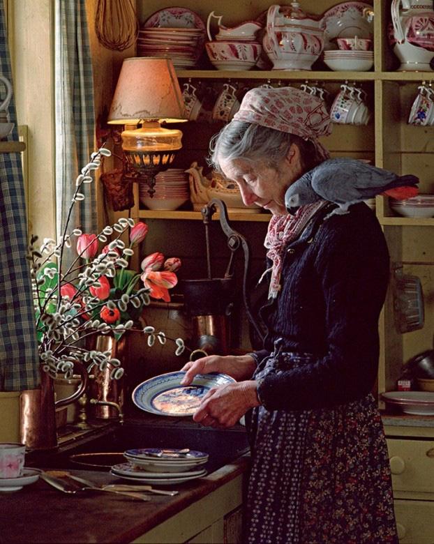 Cuộc sống an yên của cụ bà 92 tuổi bên khu vườn tự tay trồng hoa, rau quả ở vùng thôn quê - Ảnh 5.