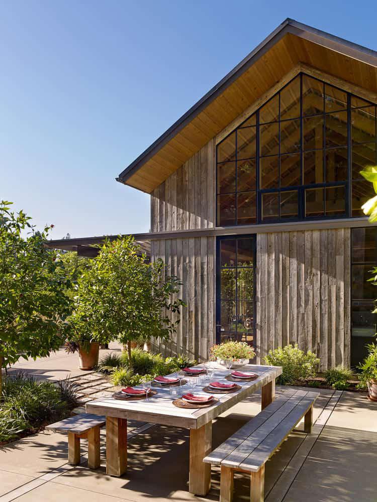 Chị em công sở ghen tị với chủ nhân ngôi nhà đẹp như cổ tích lại nằm giữa không gian thiên nhiên rộng lớn toàn hoa thơm cỏ lạ - Ảnh 4.