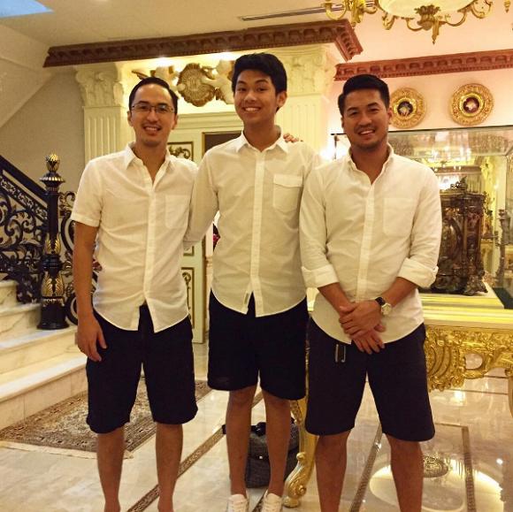 """Hình ảnh hiếm hoi thời bé của anh em Louis Nguyễn - Phillip Nguyễn được công bố khiến dân tình trầm trồ vẻ """"soái ca"""" từ nhỏ - Ảnh 3."""