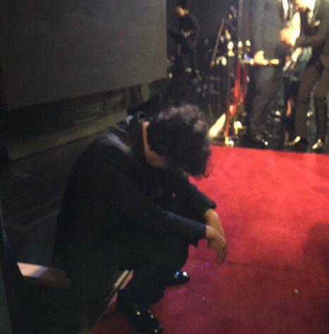 Kết quả Oscar 2020: Ký sinh trùng đi vào lịch sử giành 4 giải lớn, đạo diễn Boong Joon Ho ngồi sụp ở cánh gà vì choáng váng - Ảnh 4.