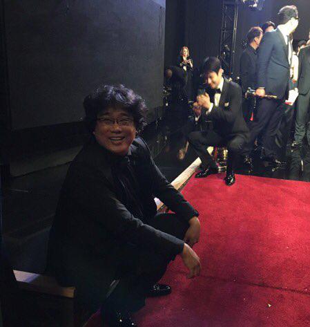 Kết quả Oscar 2020: Ký sinh trùng đi vào lịch sử giành 4 giải lớn, đạo diễn Boong Joon Ho ngồi sụp ở cánh gà vì choáng váng - Ảnh 5.