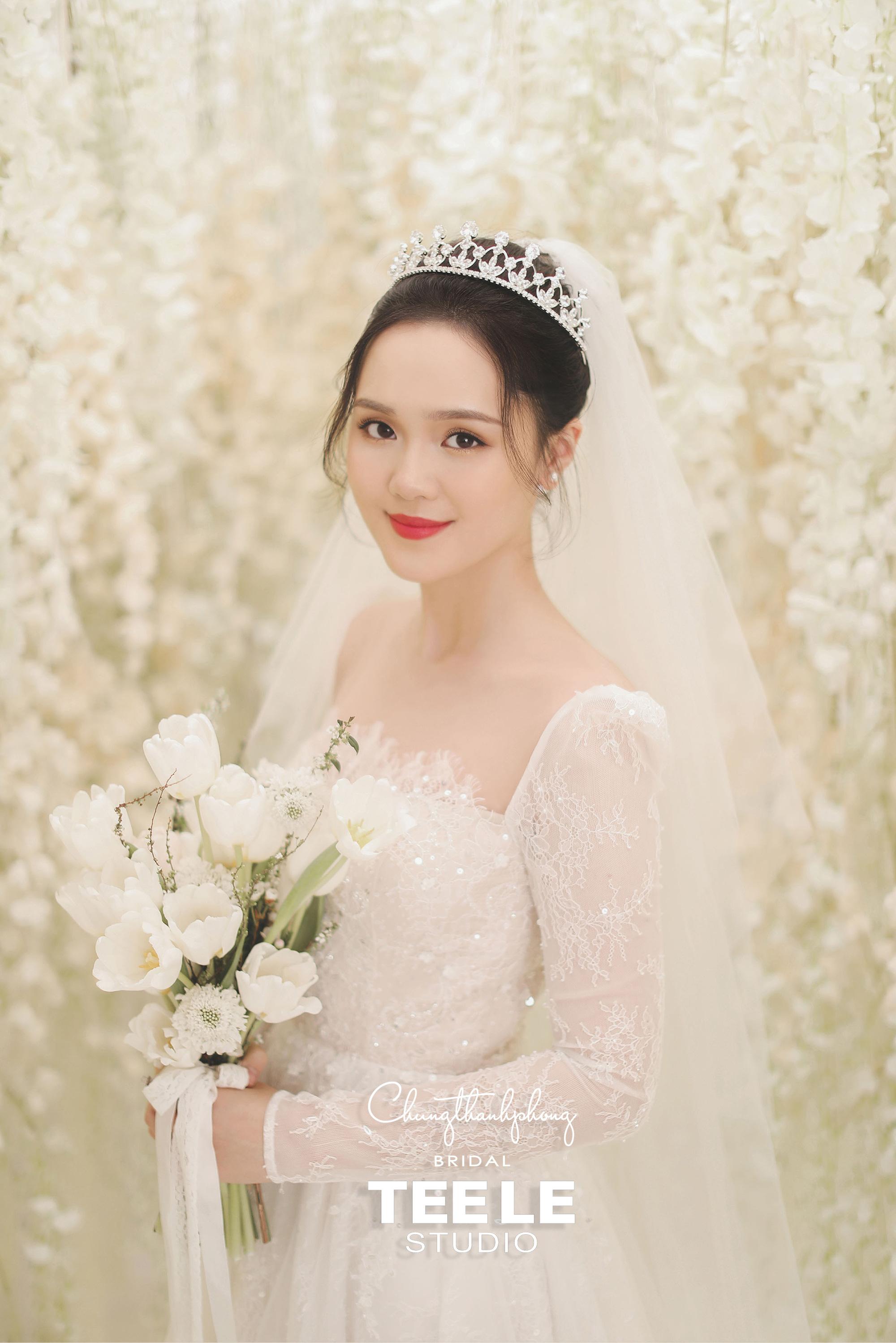 Chung Thanh Phong thực hiện trang phục cưới cho cặp đôi Duy Mạnh – Quỳnh Anh gói gọn trong 1 tuần - Ảnh 3.