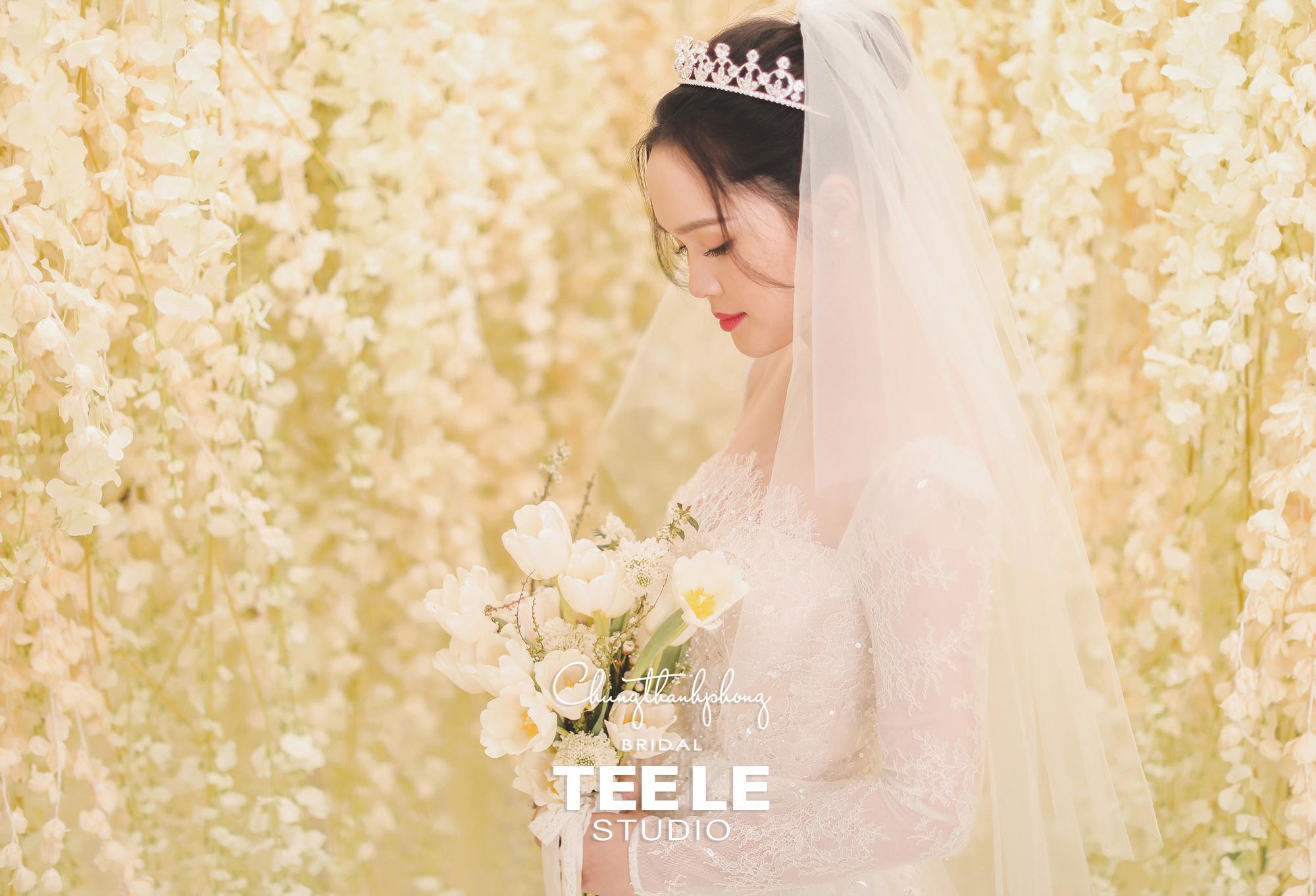 Chung Thanh Phong thực hiện trang phục cưới cho cặp đôi Duy Mạnh – Quỳnh Anh gói gọn trong 1 tuần - Ảnh 4.